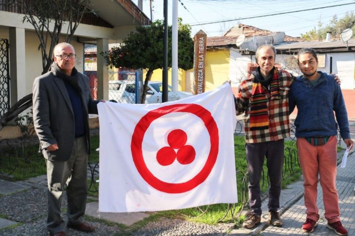 Izamos bandera de la Paz junto a alcalde de Putaendo